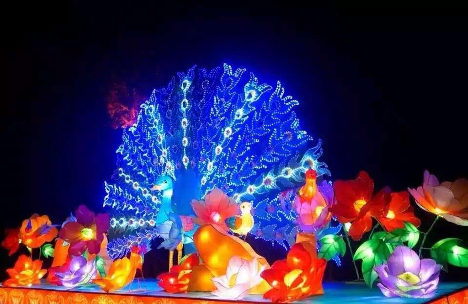 日在尚湖风景区隆重举行,涵盖了中秋,国庆两大重要节庆.